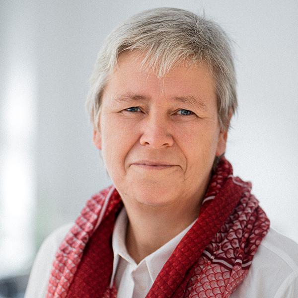 Beate Nowack von iLANOT Erbenermittlung